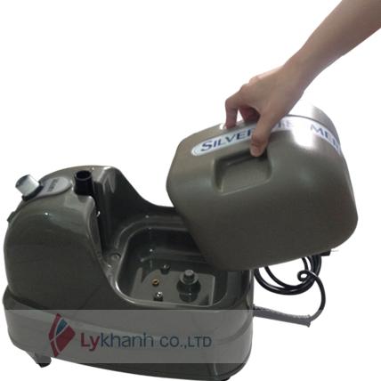 hướng dẫn vệ sinh bàn ủi hơi nước đứng